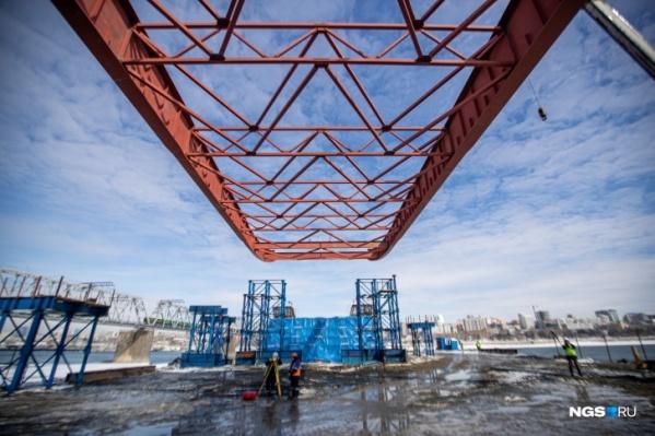 Строительство четвертого моста вызывает у горожан разные эмоции