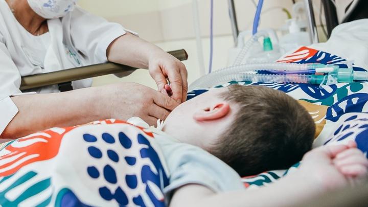 Как исчезают деньги, собранные на лечение смертельно больных детей со СМА. Об этом рассказал сотрудник Русфонда
