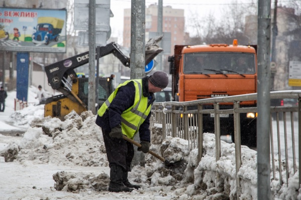 Плесецкое дорожное управление, которое занимается уборкой на данный момент, не раз подвергалось критике и просто жителей города, и чиновников