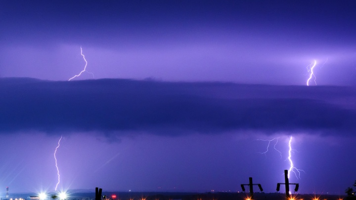 Четыре дня бури: в Ростове объявлено штормовое предупреждение