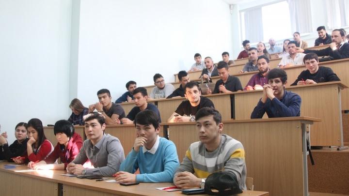 В Курганской области вузы частично возвращают студентов на очную учебу