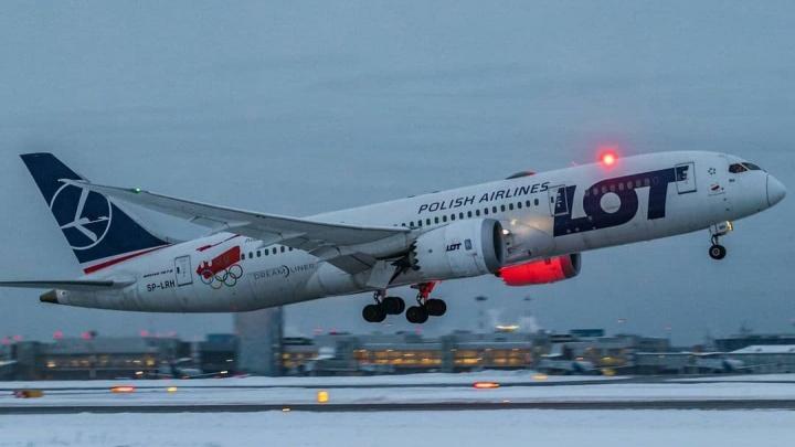 Врачи разрешили улететь пассажиру, из-за которого в Кольцово экстренно приземлился огромный Boeing