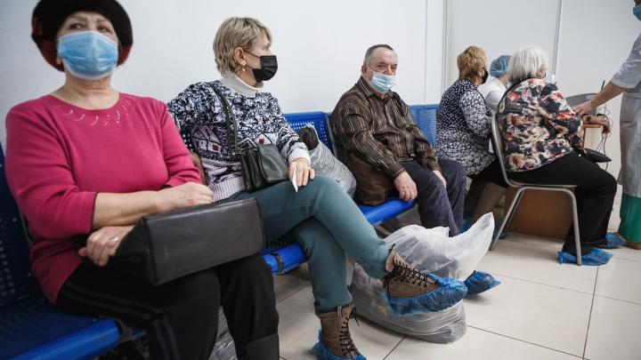 Жители 19 территорий Кузбасса заболели коронавирусом. Рассказываем, где нашли 96новых случаев