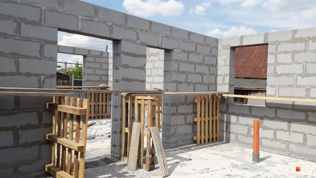 Так выглядят дома, которые начинал строить «Центр загородной недвижимости»