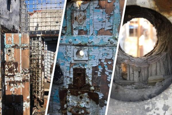 Заброшенная тюрьма на станции Каларгон в трех километрах от Кайеркана