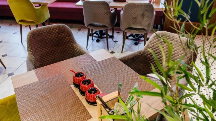 «Мера не действенна для непривитых, которые не ходят в кафе». Пермский ресторатор — о введении QR-кодов в общепите