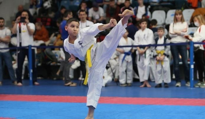 Красноярские каратисты завоевали четыре медали на первенстве России по кекусинкай