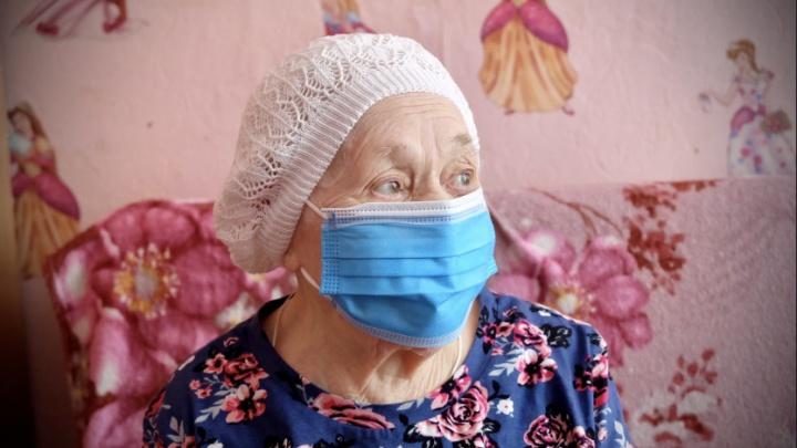 В Новосибирске вакцинировали 102-летнюю женщину — как она себя чувствует