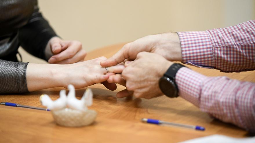 «Какого черта имущество должно делиться пополам?» Юрист объясняет, почему брак — это зло
