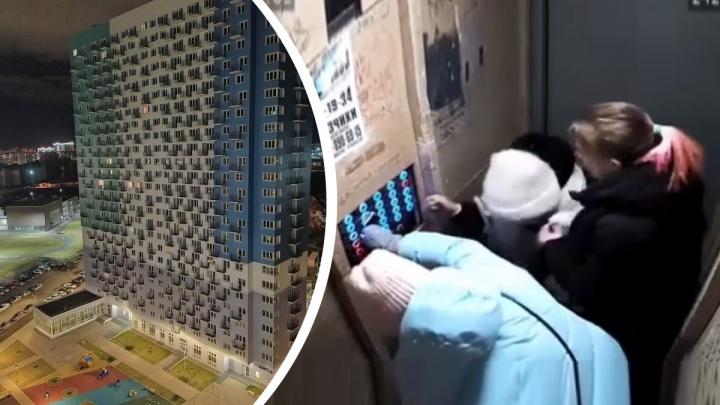 «Слава богу, сработали уловители»: в новой 25-этажке в Преображенском перекосило лифт с пассажирами