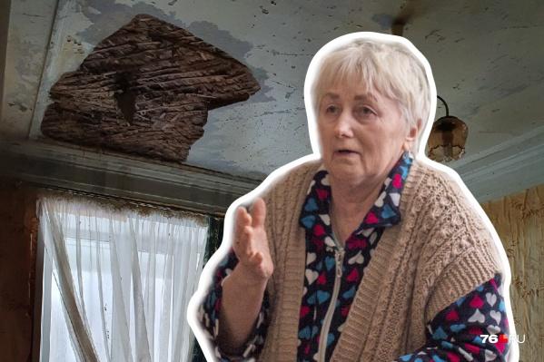Из-за аварии в квартире пенсионерки обрушился потолок