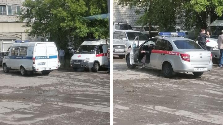 В Новосибирске мужчина подстрелил прохожего на улице и скрылся
