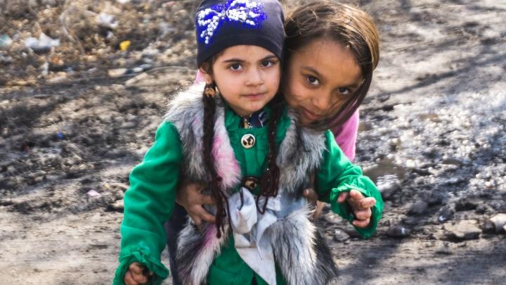 День ромалэ: подборка самых красочных материалов об омских цыганах