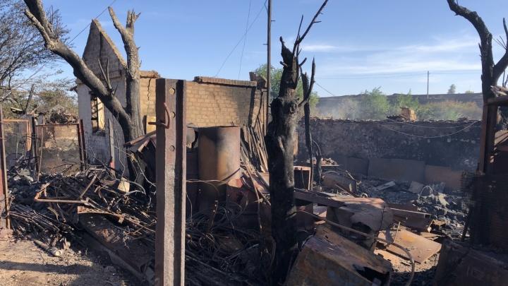 Голубев выделил еще 300 тысяч пострадавшим от сентябрьских пожаров. Люди провели год в съемных квартирах и судах