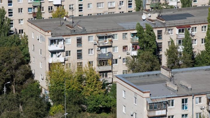 В Волгограде управляющую компанию лишают лицензии за мороз и потопы в квартирах горожан