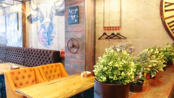 В Самаре сократилось число ресторанов и рюмочных