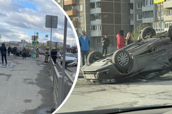 Судя по кадрам с камеры видеонаблюдения, перед перекрестком водительChevrolet не снижал скорость