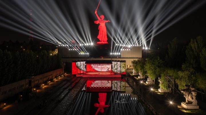 Парад, ретропробег, воинский эшелон, салют и Свет Великой Победы: программа Дня Победы — 2021 в Волгограде