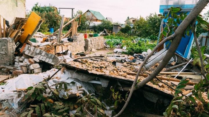 10 снимков взрыва в СНТ «Химик»: смотрим на то, что осталось от дома