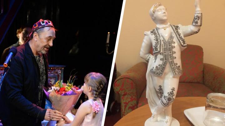 Вручили статуэтку и поздравления от Путина: драматург Николай Коляда получил престижную премию в Питере