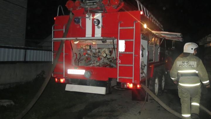 На территории промплощадки Уралмашзавода загорелось здание