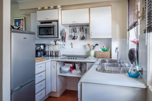 Кухня — это центр дома. Она не может быть тесной априори. Для нее важны простор и эргономика