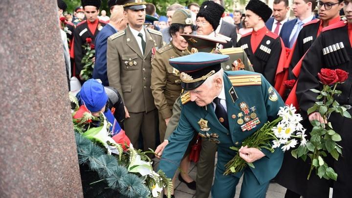 Парад Победы в Краснодаре и Новороссийске смогут посетить только ветераны