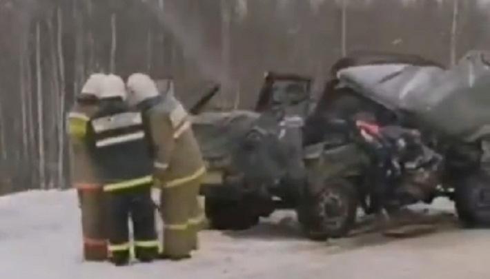 «Оборвалось крепление полуприцепа»: в Прикамье в ДТП с КАМАЗом погибли два человека