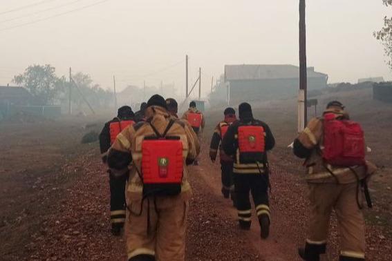 В Башкирии из-за пожара эвакуировали деревню