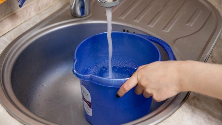 В разгар 30-градусной жары тюменская деревня на три недели осталась без воды