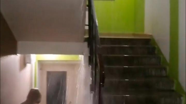 Под Уфой в высотке прорвало батарею — жильцы опубликовали видео