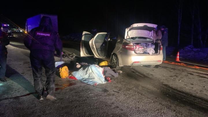 За один вечер на трассах в Свердловской области погибло восемь человек, еще двое пострадали