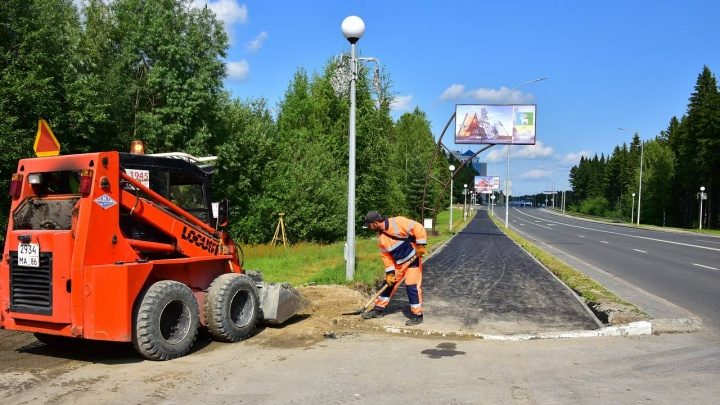 В Ханты-Мансийске реконструируют сеть велодорожек. За лето оборудуют около 10 км