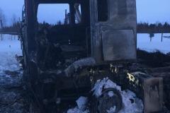 Всё, что осталось от грузовика, в котором убийца сжег напарника