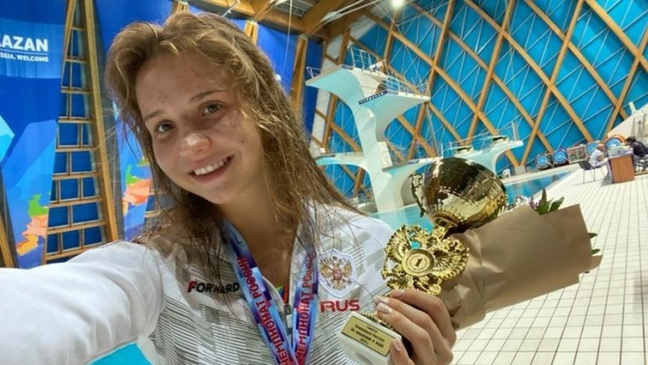 «Впервые выступала с Лизой»: волгоградская прыгунья в воду выиграла чемпионат России в Казани