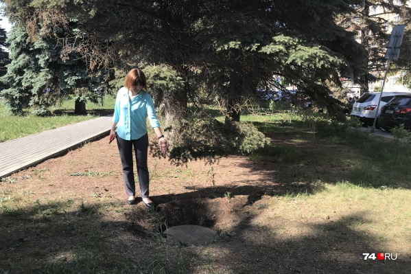 Колодец, в который упал трехлетний мальчик, находится в середине нового сквера у ЮУрГУ