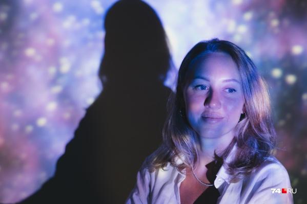Кристина сначала давала частные консультации астролога, а теперь учит своих коллег лучше разбираться в гороскопах