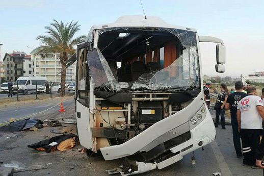 В Турции автобус с российскими туристами попал в ДТП. Погибли три человека