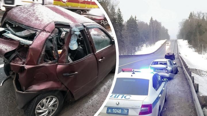 На подъезде к Переславлю случилось массовое ДТП: разбиты четыре машины, есть пострадавшие