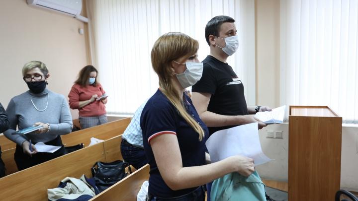 Суд отправил в колонию анархистов, устроивших акцию возле здания ФСБ в Челябинске