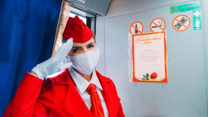 Фоторепортаж о последнем рабочем дне омского кондуктора-стюардессы