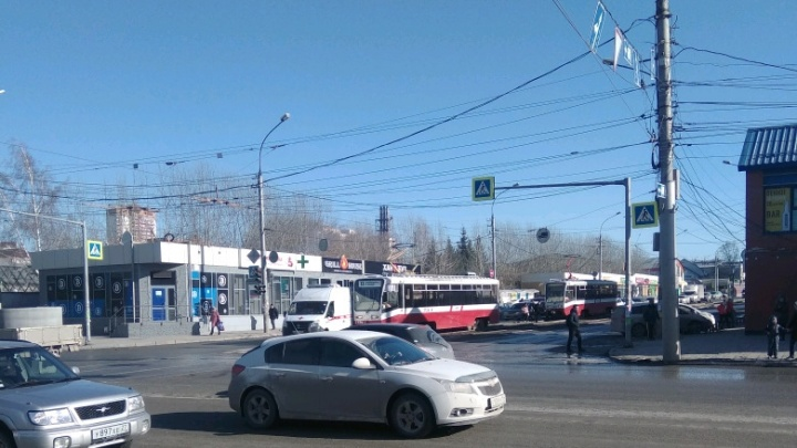 Новосибирский трамвай №13 столкнулся соскорой