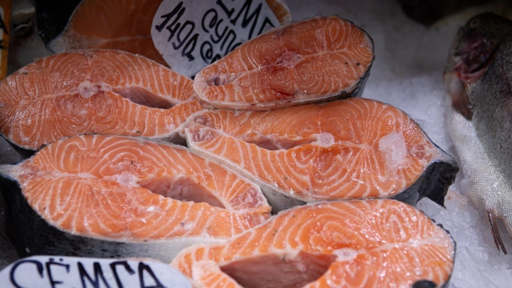 Диетологи рассказали, сколько рыбы можно есть
