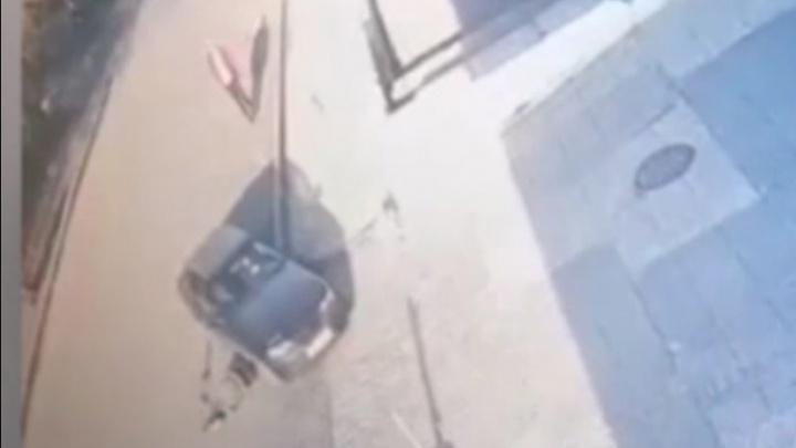 «Принял за мусор»: в Челябинске автомобилист проехал по голове лежавшего на дороге мужчины