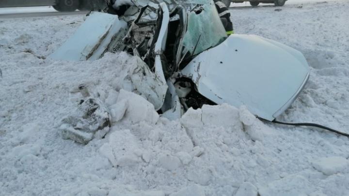 «У водителя-мальчишки опыта было мало»: подробности смертельного ДТП с фурой на трассе в Башкирии