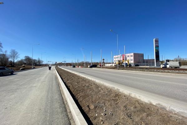 Так сейчас выглядит участок дороги от Желябова до Шпальной