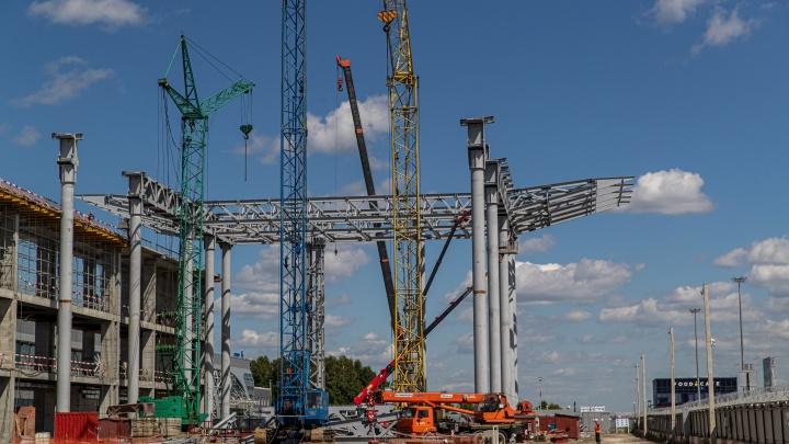 Новый терминал в аэропорту Толмачёво построен на 40% — что сейчас происходит на стройке под Новосибирском
