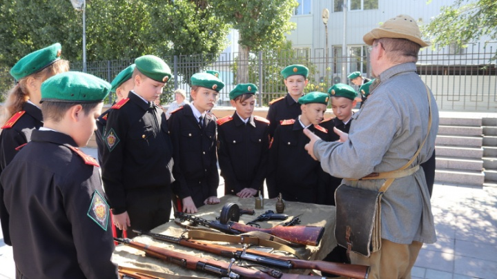 В Волгограде кадетам-силовикам рассказали об истории 10-й дивизии НКВД