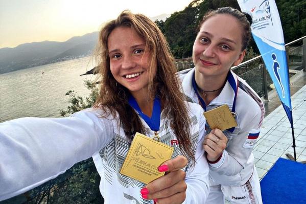 Девочки выступали в открытом бассейне хорватской Риеки