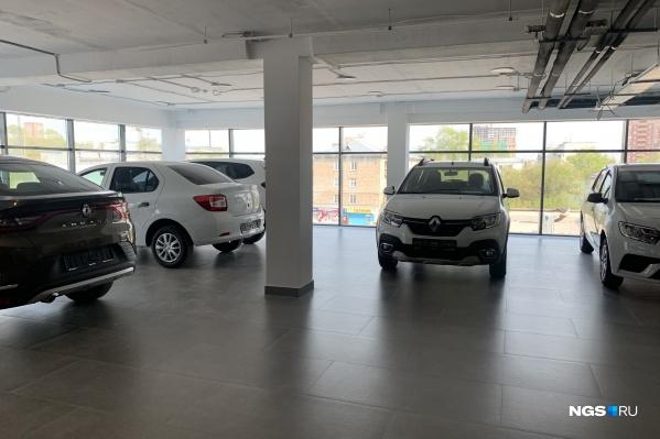 Автосалоны — настоящее хранилище автомобилей до продажи